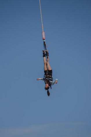 jump-888131_1920.jpg